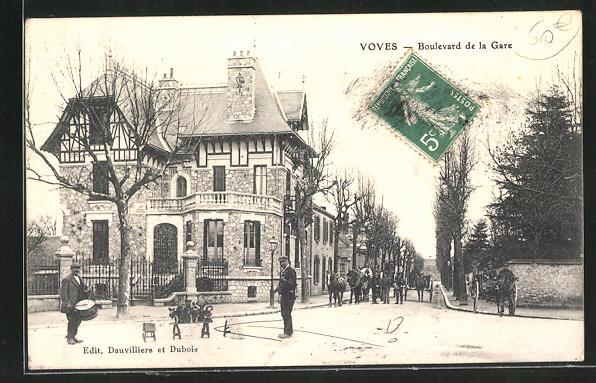 AK Voves, Boulevard de la Gare, Hundedressur