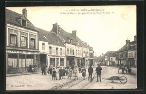 AK Chateauneuf-en Thymerais, La rue de Dreux, Vue prise Place de l'Hotel-de-Ville