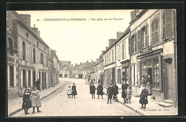 AK Chateauneuf-en-Thimerais, vue prise rue de Chartres