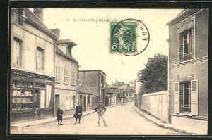 AK Saint-Lubin-des-Joncherets, Rue des Ecoles