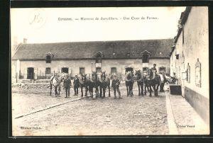 AK Ecrosnes, Hameau de Jonvilliers, Une Cour de Ferme