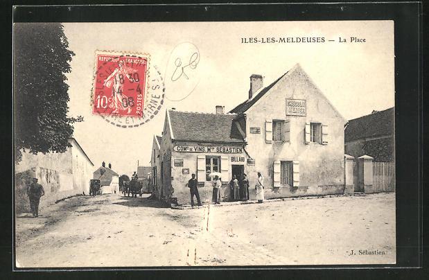 AK Isles-les-Meldeuses, La Place