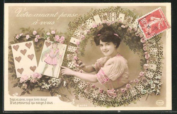 AK Hellseher, Junge Dame im Spielkarten-Rahmen zeigt auf den Herzbuben