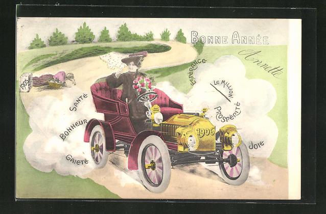 AK Dame braust in rasender Fahrt mit dem Auto 1906 die Strasse entlang und lässt die Wegmarke 1905 hinter sich