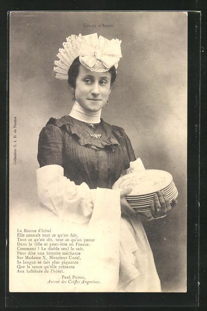 AK Dienstmädchen trägt die Teller in den Speiseraum