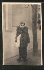 AK Junge im Kostüm eines Harlekin