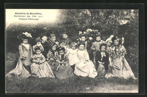 AK Brezolles, Garderie de Brezolles, Distribution des Prix 1912, Madame Malbrough