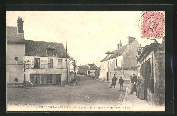 AK Bercheres-sur-Vesgres, Place de la Croix-Blanche et Route d`Ivry-la-Bataille