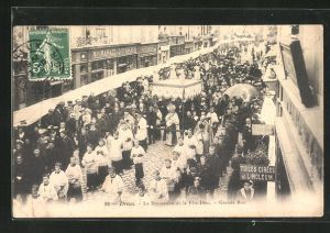 AK Dreux, La Procession de la Fete-Dieu, Grande Rue