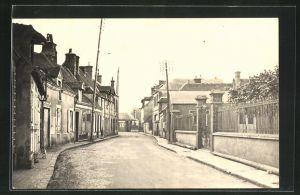 AK St.-Lubin-des-Joncherets, Rue des Ecoles, Strassenpartie