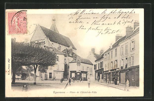 AK Epernon, Place de l`Hotel-de-Ville