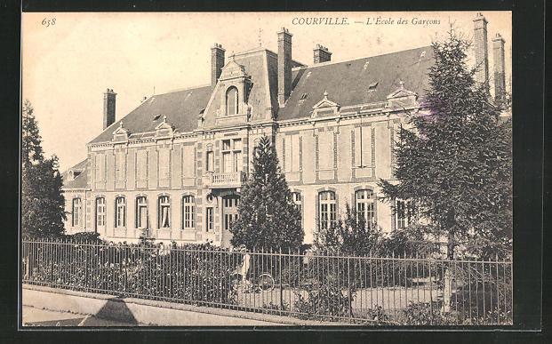 AK Courville-sur-Eure, L`École des Garcons