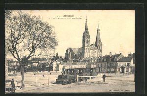AK Chartres, La Place Chatelet et la Cathedrale