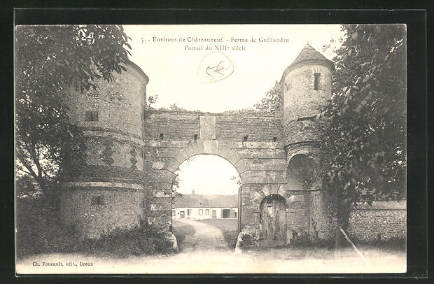AK Chateauneuf, Ferme de Guillandru, Portail du XIII siecle