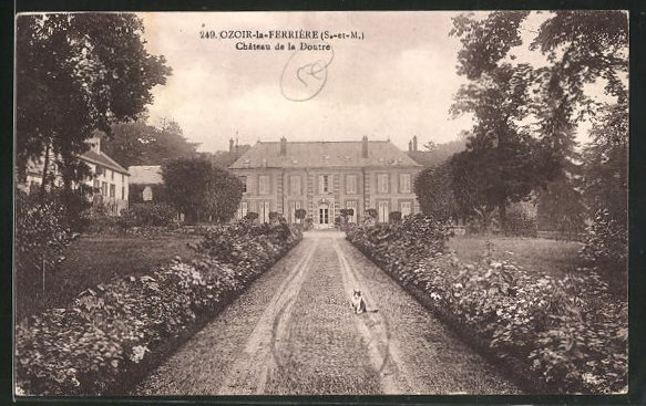AK Ozoir-la-Ferriere, Chateau de la Doutre