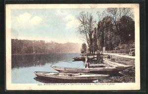 AK Boissettes, Les bords de la Seine, depart pour la peche, Fischerboote