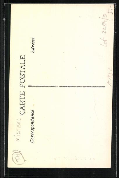 AK Dichter Frederic Mistral sitzt mit Hut und Stock auf einer Bank 1