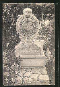 AK Friedhof, Grabstein für einen Hund namens Loulou