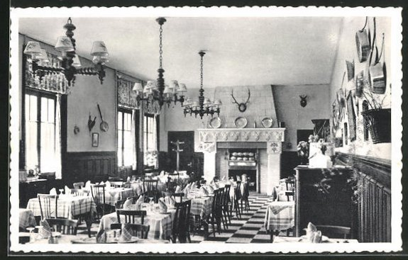 AK Cloyes, Hotel Saint-Jacques, Une salle du restaurant et rotisserie, Innenansicht 0