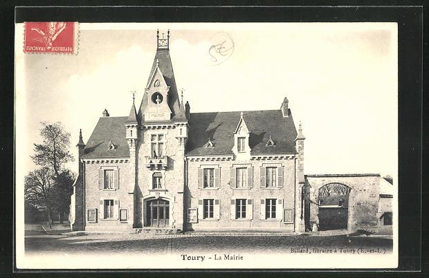 AK Toury, la Mairie 0
