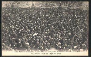 AK Chartres, Fetes Mariales de Chartres 6 juin 1927, une partie de la foule durant l`allocution du Cardinal Dubois