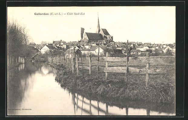 AK Gallardon, Ortsansicht mit Kirche 0