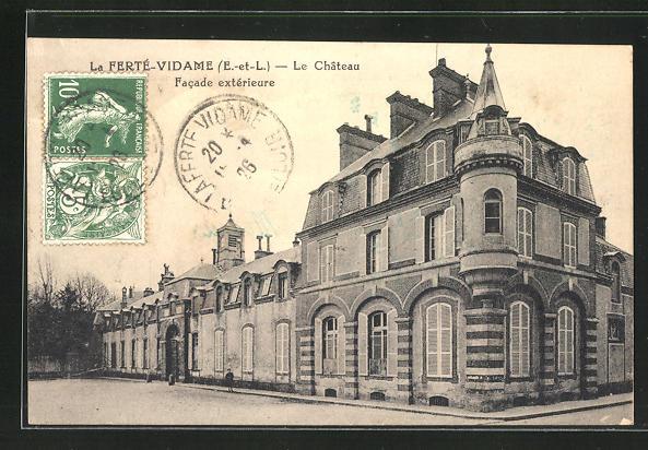 AK La Ferte-Vidame, Le Chateau, facade exterieure