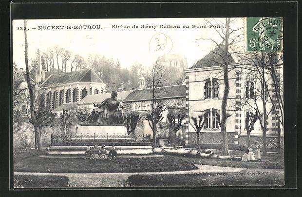 AK Nogent-le-Rotrou, Statue de Remy Belleau au Rond-Point 0