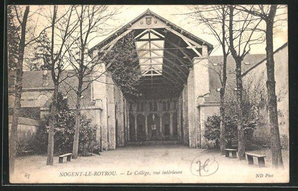 AK Nogent-le-Rotrou, Le college, vue interieur 0