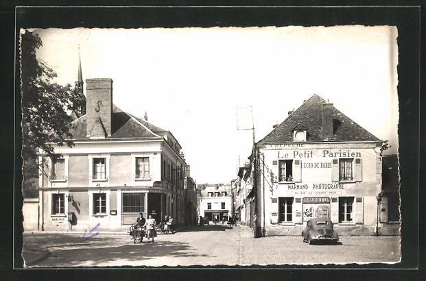 AK Nogent-le-Roi, Bureau de poste et rue de l`eglise 0