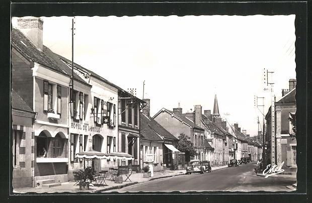 AK La Bazoche-Gouet, L`Hotel de l`Etoile, Rue Jean Moulin