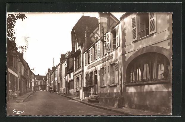 AK Senonches, Rue de Creux, Hotel des Trois Marchands 0