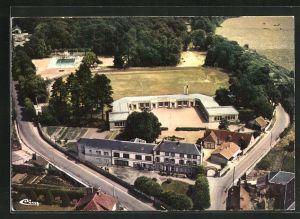 AK Chateauneuf-en-Thymerais, le groupe scolaire et la piscine, vue aerienne