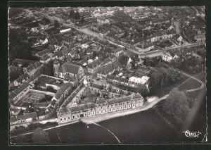 AK La Ferte-Vidame, le chateau et la ville, vue generale aerienne