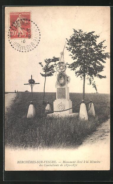 AK Bercheres-sur-Vesgre, Monument eleve a la Memoire