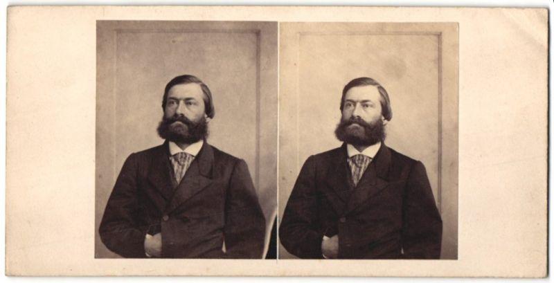 Stereo-Fotografie Herr in Anzug mit Vollbart 0