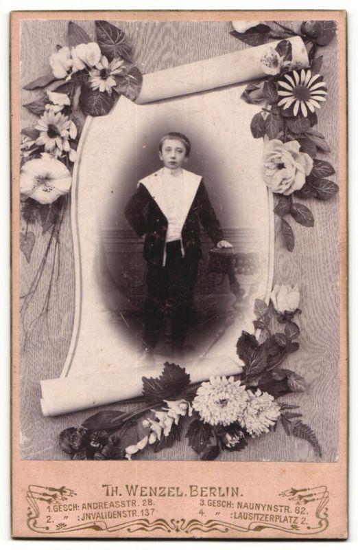 Fotografie Th. Wenzel, Berlin, rückseitige Ansicht Berlin, Atelier Andreas-Str. 28, vorderseitig Portrait Knabe 1