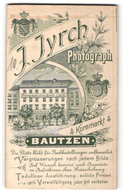 Fotografie J. Jyrch, Bautzen, rückseitige Ansicht Bautzen, Atelier Kornmarkt 4, vorderseitig Portrait