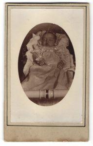 Fotografie aufgebahrter Säugling, Post Mortem