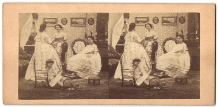 Fotografie Mädchen und junge Frauen in zeitgenöss. Kleidung, Biedermeier, Bürgertum 0