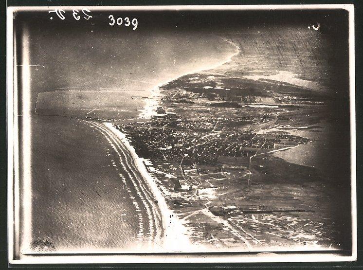 Fotografie Ansicht Libau, Fliegeraufnahme der Stadt, 1.WK 0