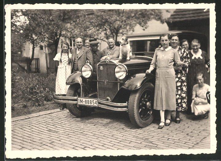 Fotografie Auto Mercedes Benz, Limousine mit kleinem  & Olympia-Emblem auf dem Kühlergrill