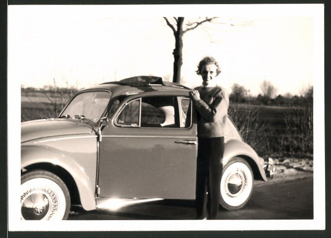 Fotografie Auto VW Käfer, Volkswagen PKW & Hausfrau