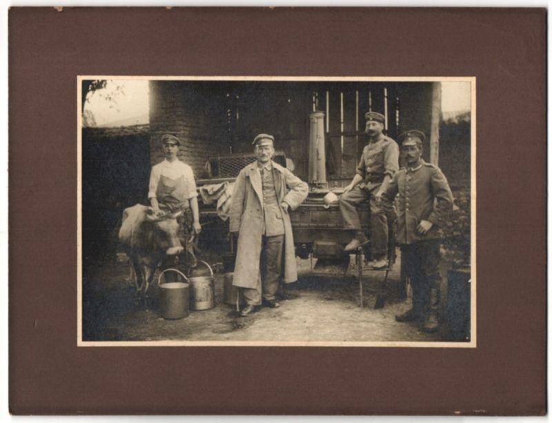 Fotografie 1.WK, Deutsche Soldaten & Uffz. nebst Feldküche & Kuh 0