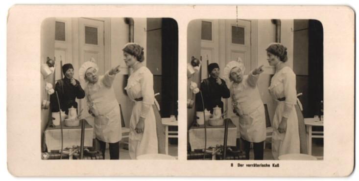 Stereo-Fotografie Der verräterische Kuss, Dienstmädchen wurde vom Schornsteinfeger geküsst 0