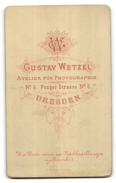 Fotografie Gustav Wetzel, Dresden, Portrait junge Frau mit geflochtenem Haar 1