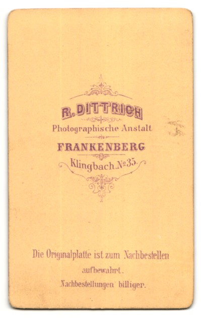 Fotografie R. Dittrich, Frankenberg, Portrait junger Mann mit zurückgekämmtem Haar 1
