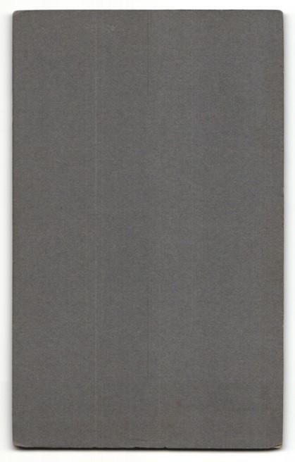Fotografie Georg Koczyk, Coswig i. S., Portrait Kleinkind im karierten Kleid 1