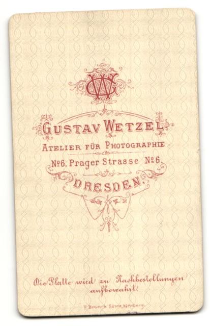 Fotografie Gustav Wetzel, Dresden, Portrait Junge mit Fliege im Anzug 1