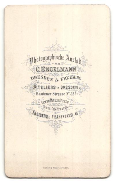 Fotografie C. Engelmann, Dresden, Portrait Frau in festlicher Bluse mit zurückgebundenem Haar 1